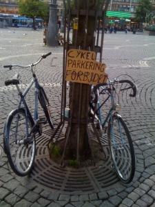 Inutile che vi traduca il cartello, vero?