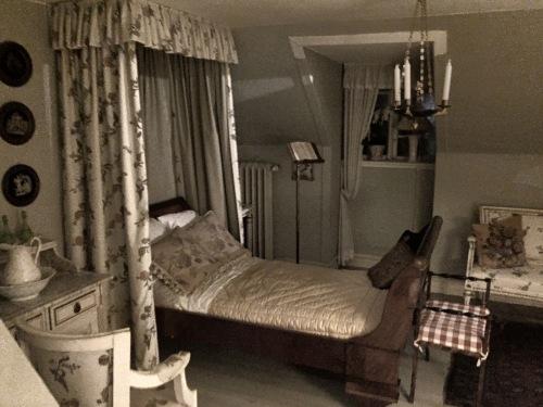 Una delle camere al piano superiore